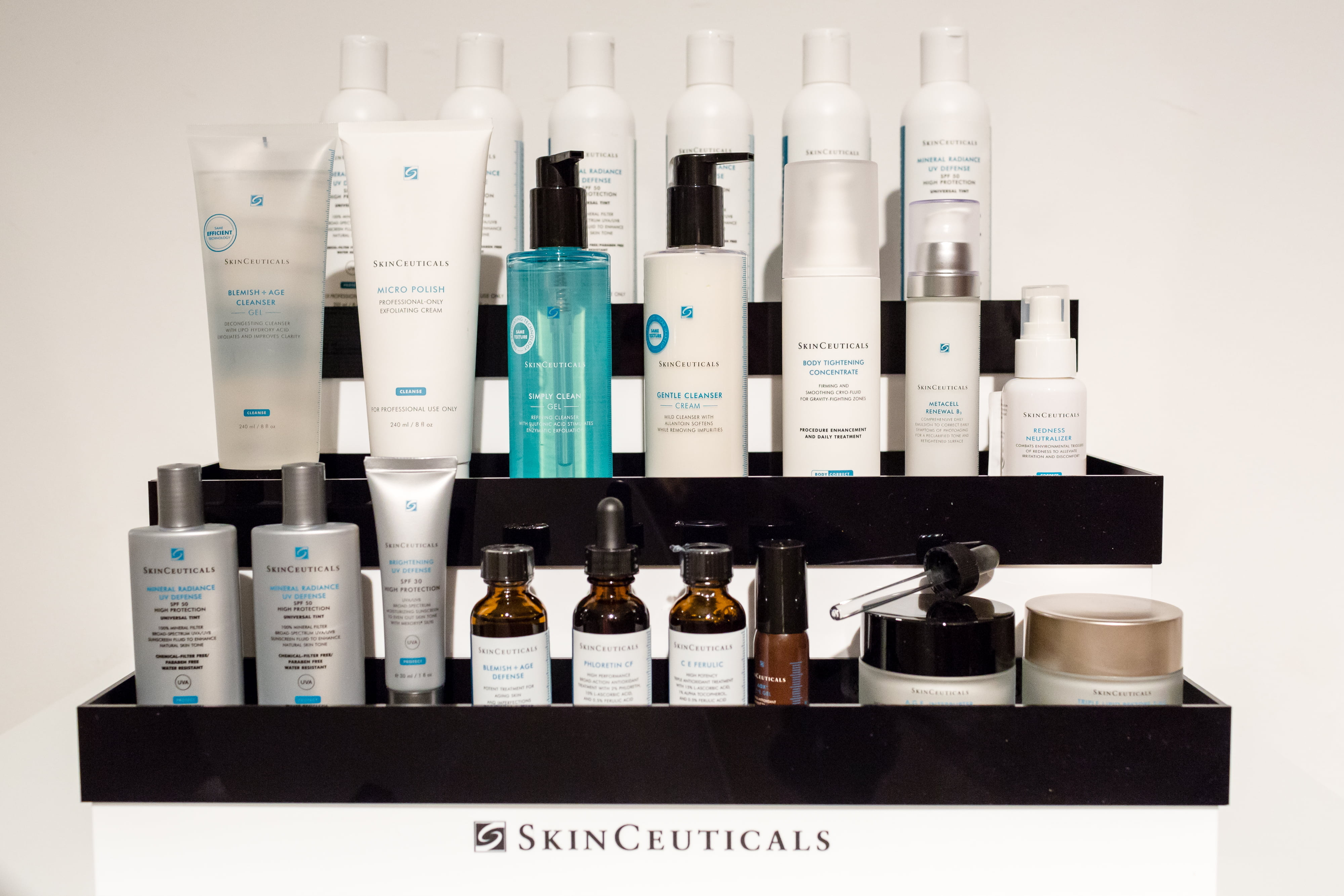 Skin + Surgery Clinics   Drs. Kim de Weijer